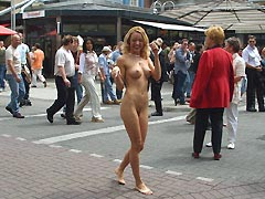 Free pictures of Barbora D. nude at a festival!